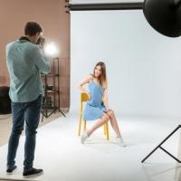 7 consejos para posar en una sesión de fotos en estudio
