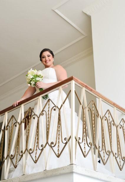 Novia en balcón