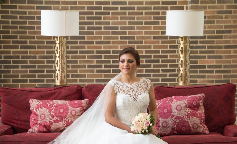 arreglo de la novia en sesion fotográfica